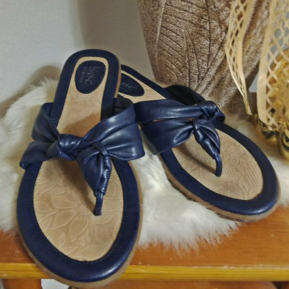 4f996d1a9f4 boc Shoes - BOC size 8 born concept navy blue sandals